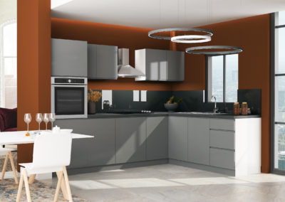 Handleless kitchen in graphite gloss grey